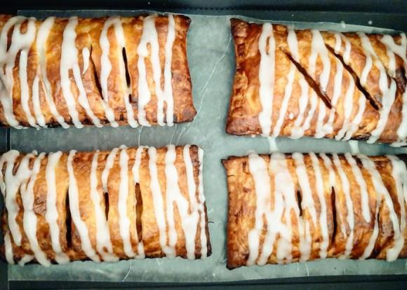 Apple Cinnamon Raisin Puff - 1 box (6 pieces)